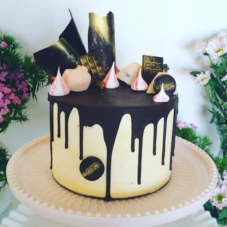 Wedding Cake Decorating Classes: Black And White Dripping Cakes Images