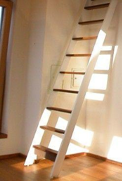 treppe hochbett nana kleines zimmer ganz gro pinterest dachboden hochbett und treppe. Black Bedroom Furniture Sets. Home Design Ideas