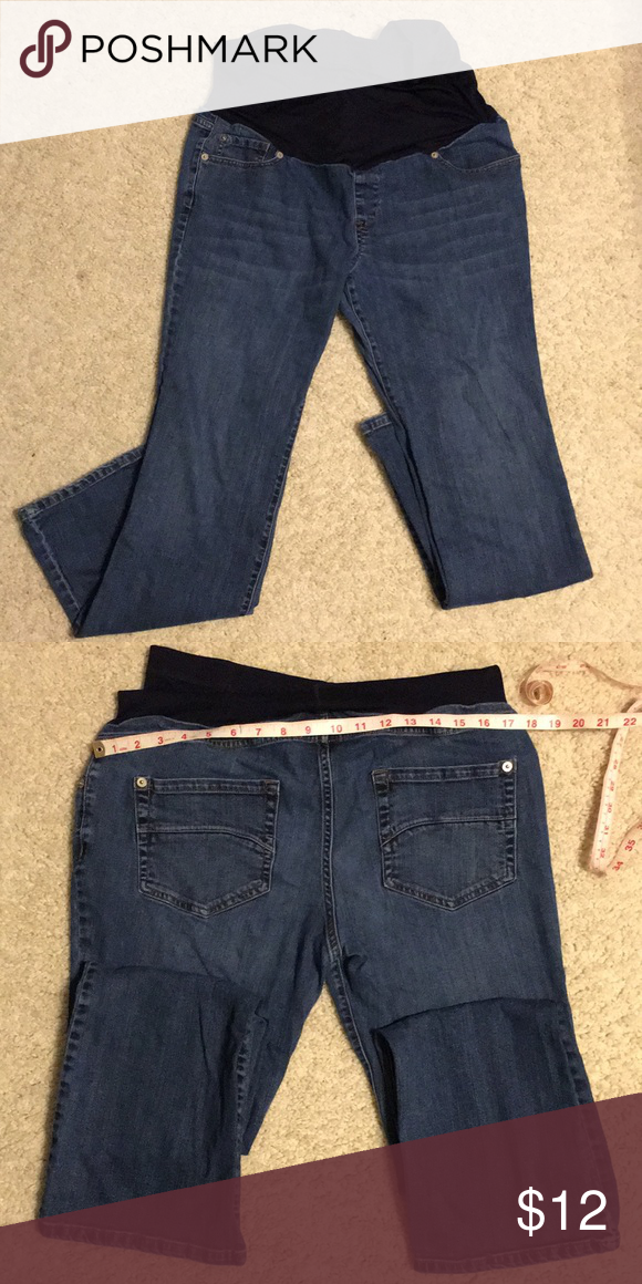 5cfe8d134316d Medium wash maternity jeans VGUC medium wash Liz Lange maternity jeans.  Over the bump panel