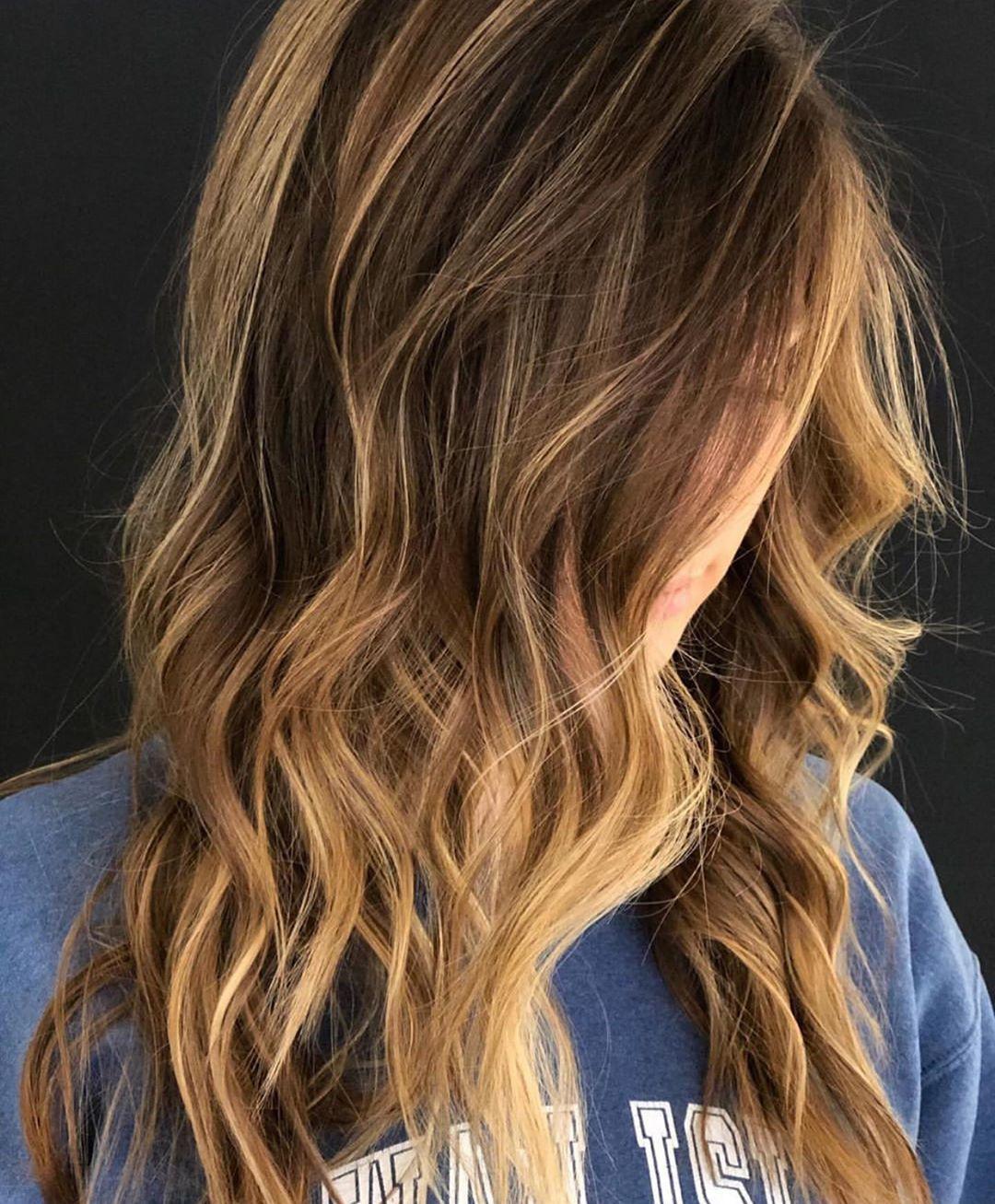 12 Easy Summer Hairstyles In 2020 Medium Curly Hair Styles Mid Length Curly Hairstyles Hair Styles