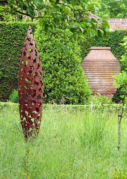 David harbour sculpture quill garden art amidst plants sculpture pinterest garden art - Gartenskulpturen metall ...