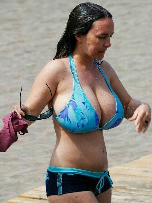 bobs big goa bikini beach girls big