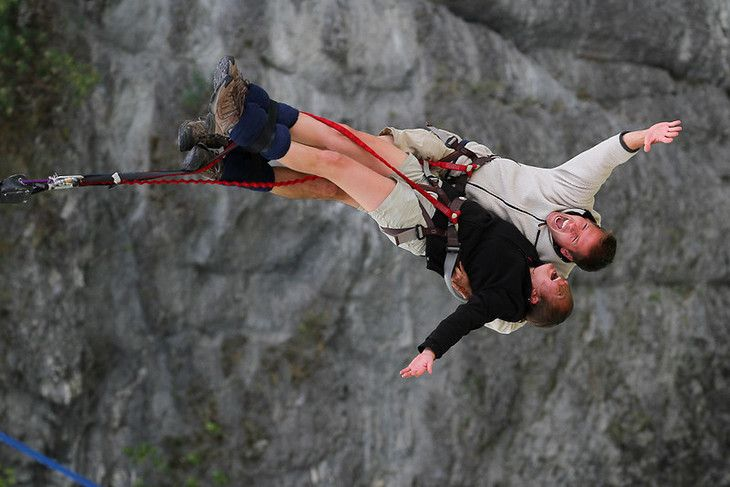 A Tandem Bungy Jump On Valentine S Day In New Zealand Bungee Jumping Small Group Travel Tandem