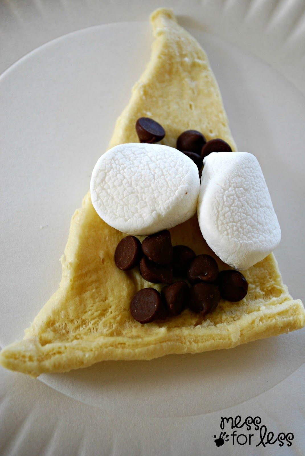 Pinterest Facebook Twitter Google+ Yummly Email Print StumbleUpon Who doesn't love a good crescent roll recipe? From a breakfast, to a main dish to a dessert, you can truly do it all with crescent rolls. Today's crescent roll s'mores are sure to become a family favorite. How do I know? Well, I've combined all the...Read More »