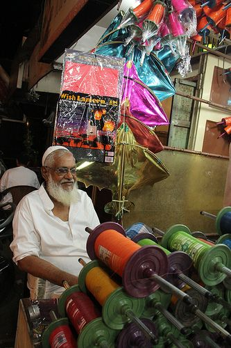 Imamwada Kite Shops Promote Peace And Humanity ..As The Kites Soar In The Skies