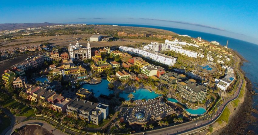 428545242cd Gran Canaria's biggest hotel chain, Lopesan, plans to build a huge new shopping  mall at Meloneras that will house the south's El Corte Inglés..