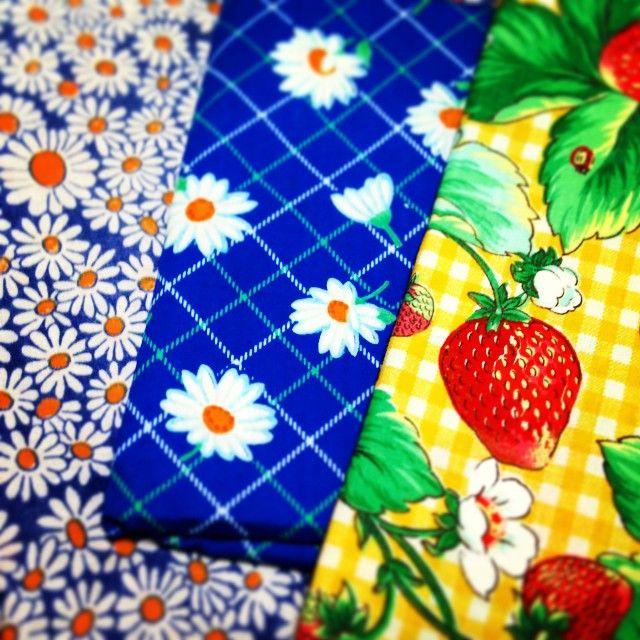"""""""リサイクルショップで見つけた古布。 #fabric #vintage #vintagefabric #flower #strawberry"""" Photo taken by @emixxtoons on Instagram, pinned via the InstaPin iOS App! http://www.instapinapp.com (01/31/2015)"""