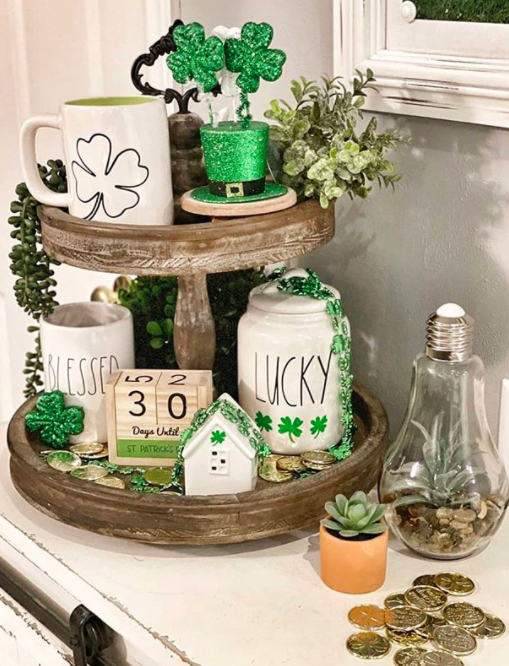 St Patricks day Farmhouse Salt and Pepper Shakers
