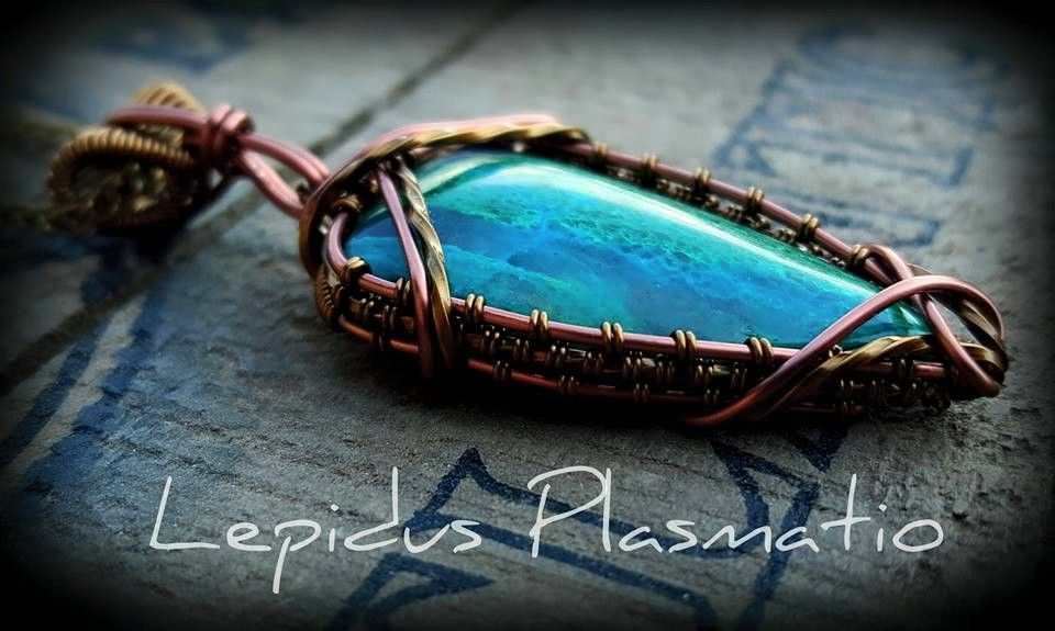 Antique copper wire wrapped pendant by Lepidus Plasmatio | Wire ...