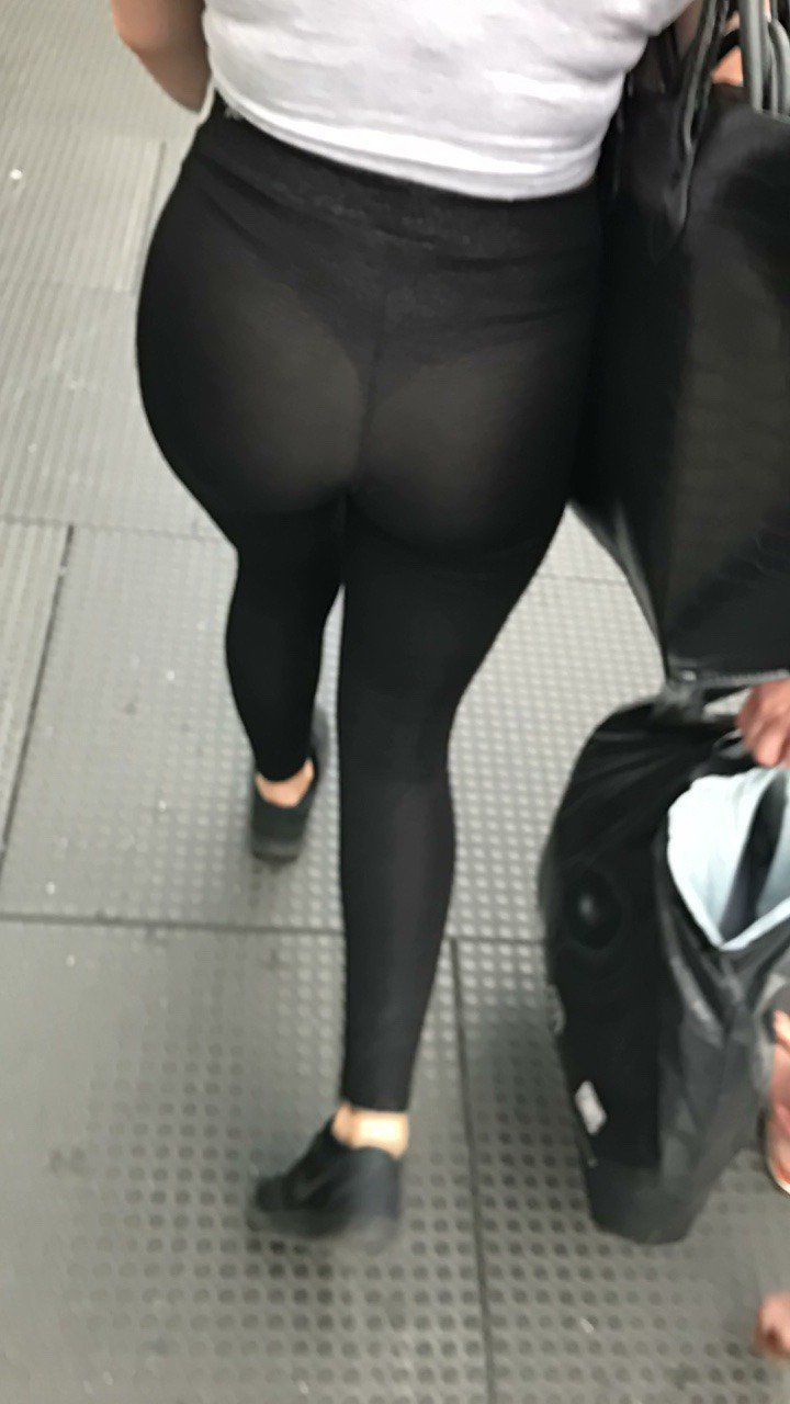 094e607aaf You Forgot A Skirt (@ThongsLeggings)   Twitter   Leggings yoga pants ...