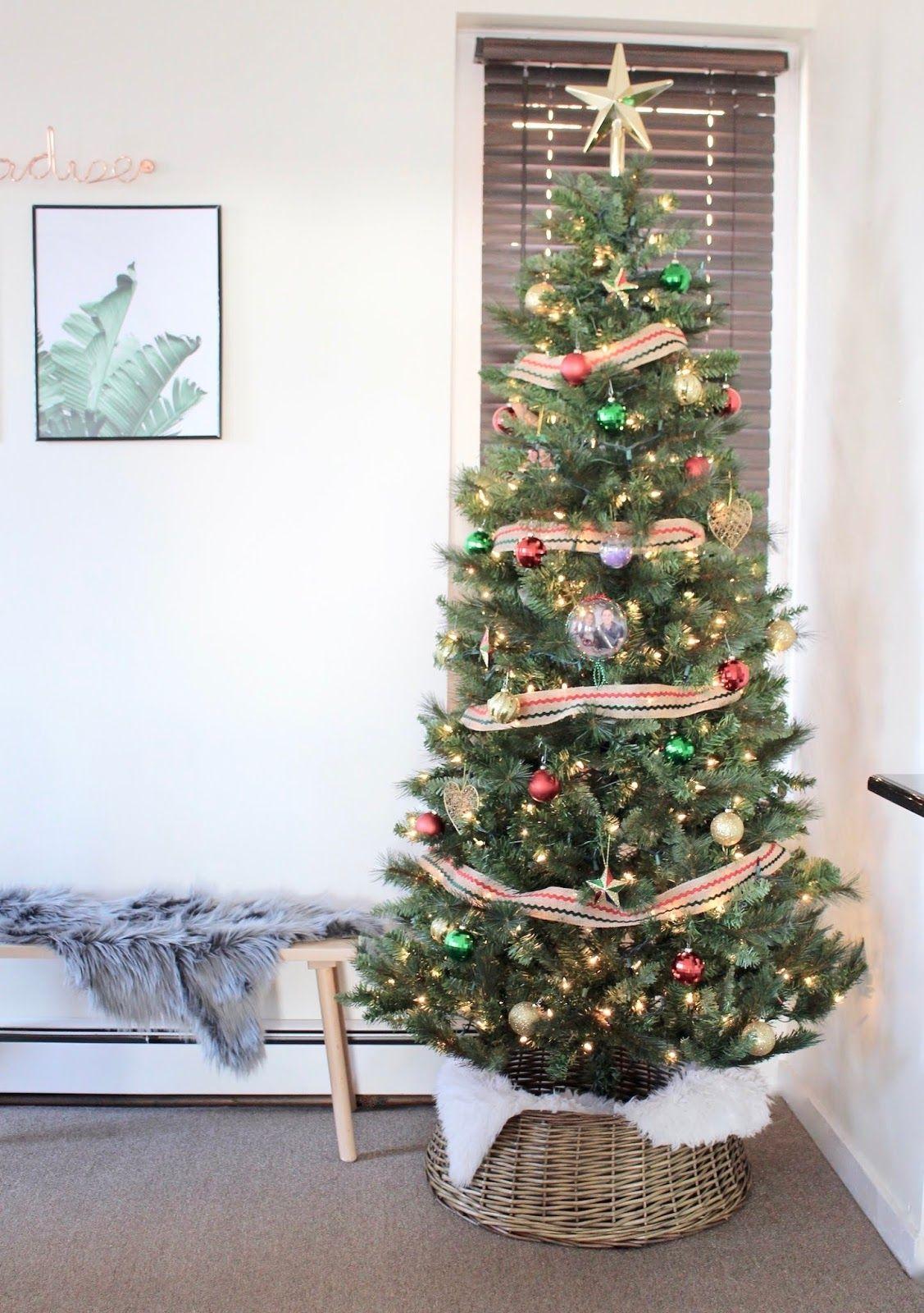 9 Christmas Tree Collars / Tree Skirt Alternatives woven