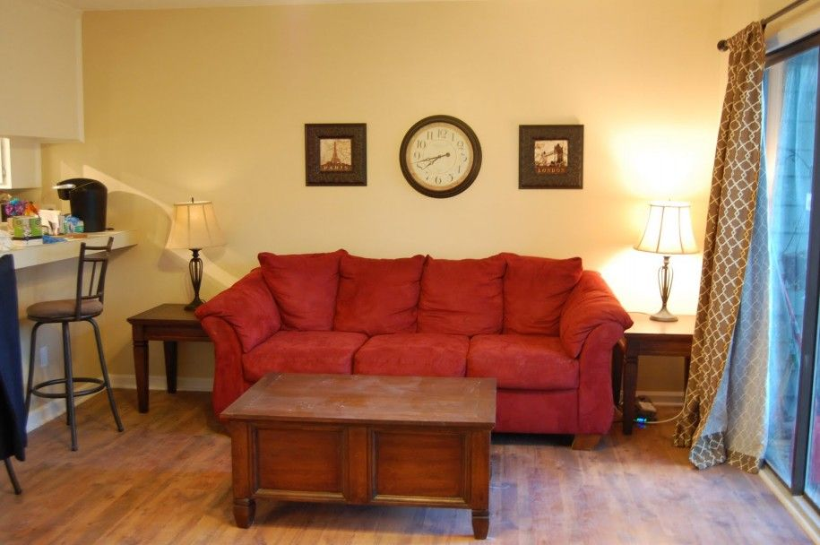 Wall Paint Color For Red Couch Photo