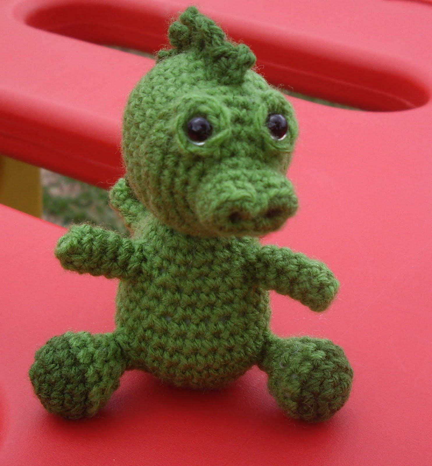 Free crochet pattern - Soren the baby dragon...OMGosh, he\'s so ...