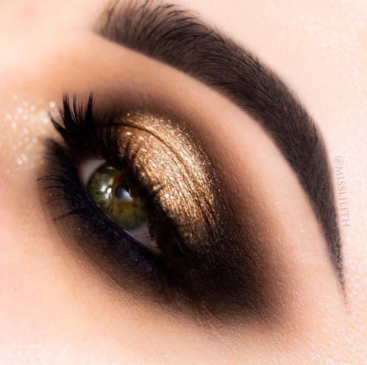 Gold And Black Eye Makeup Gold Makeup Looks Black Eye Makeup