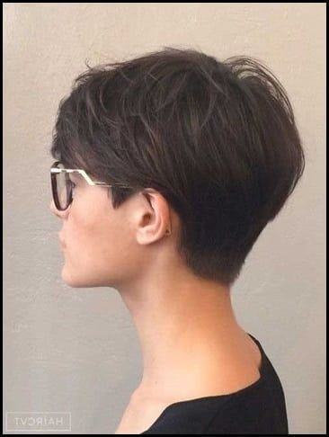 Out Of Bed Hairstyle Women Pixie Frisur Kurze Pixie Frisuren Elegante Kurze Haare