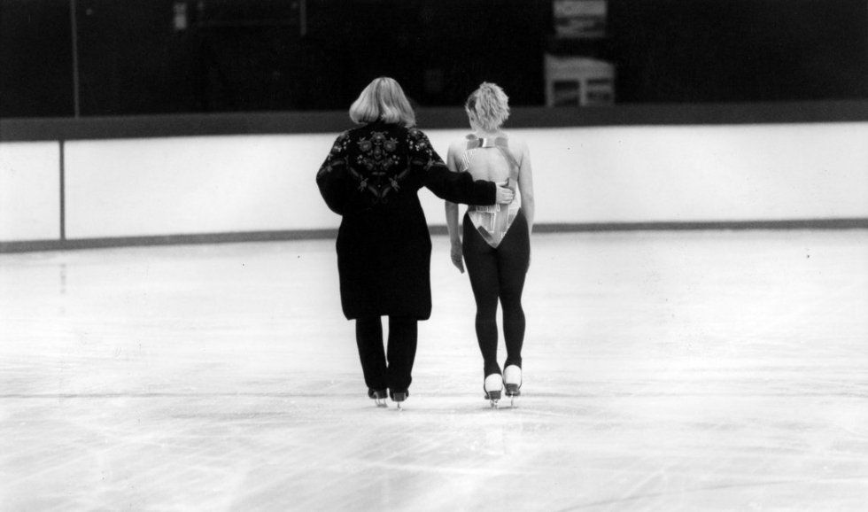 figure skating essay {free} ice skating writing activities  i absolutely love to watch figure skating during the olympics and when i can catch their competitions.