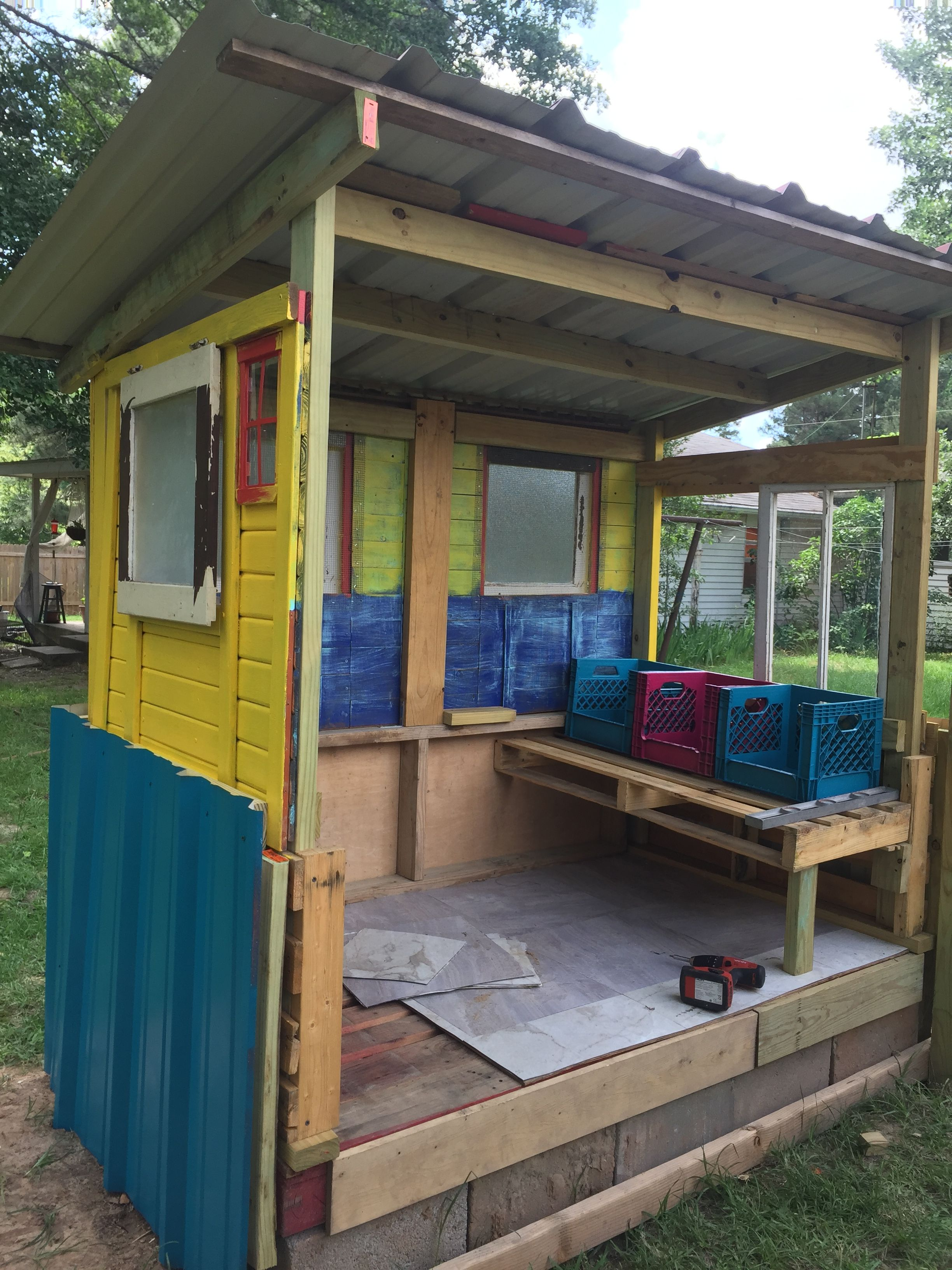 Pin On Diy Chicken Coop Made With 90 Recycled Materials
