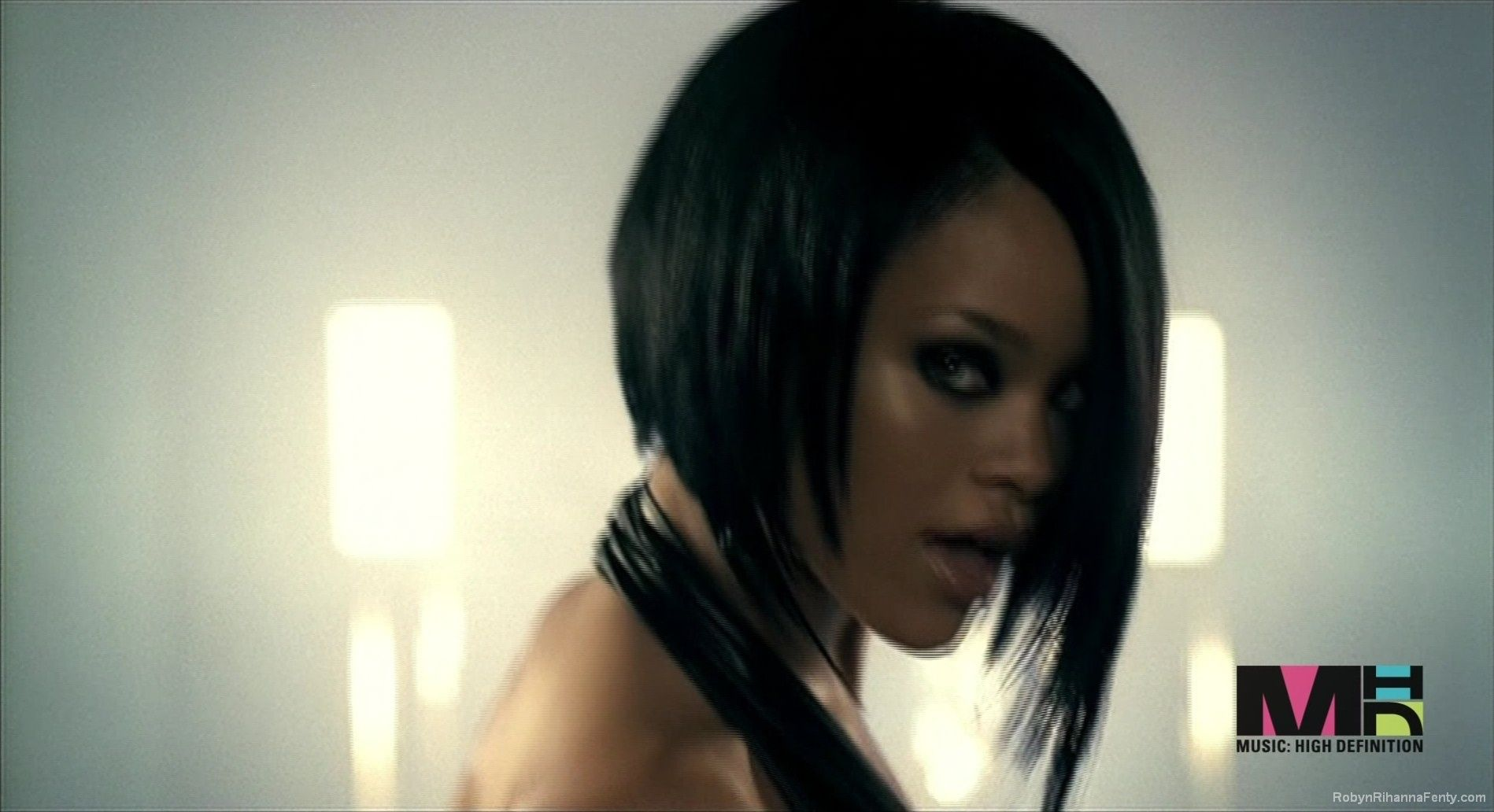 Pix For   Rihanna Umbrella Hair  ad5f55f089c4