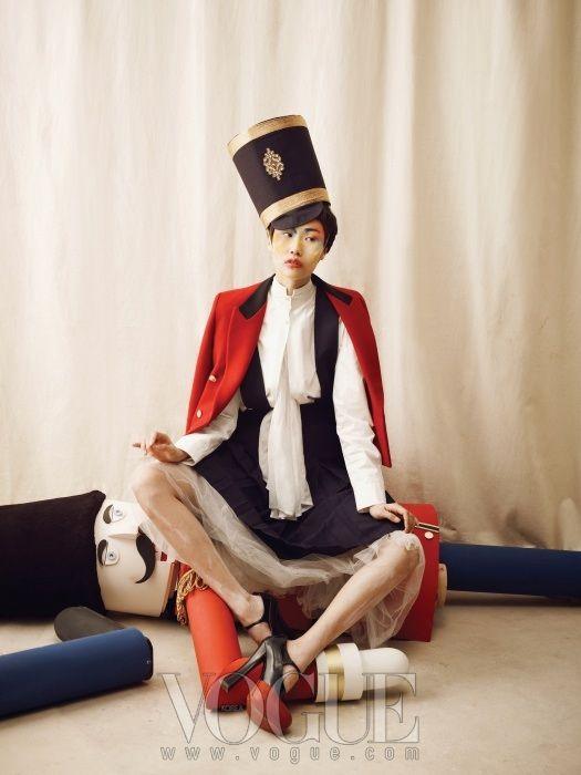"""The Nutcracker"": Won Kyoung Kim in Vogue Korea December 2012 보그매거진 코리아"