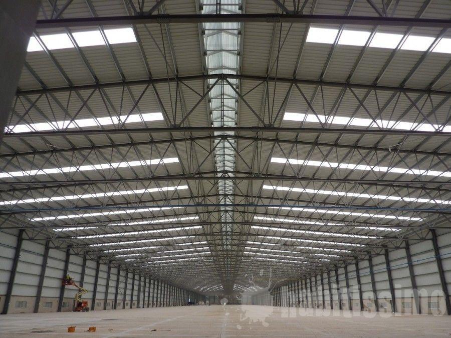 Nave De 60 M De Luz Naves Industriales Arquitectura