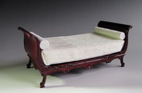 1 12th Scale Bespaq Beautiful Mahogany Detailed Sleigh Bed for