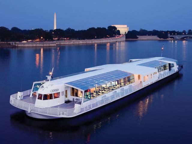 For an unforgettable New Year's experience, plan on popping the champagne as you cruise down Washington, DC's Potomac River. Not only is this a blast with friends, it's one of the most romantic ways to celebrate the occasion.