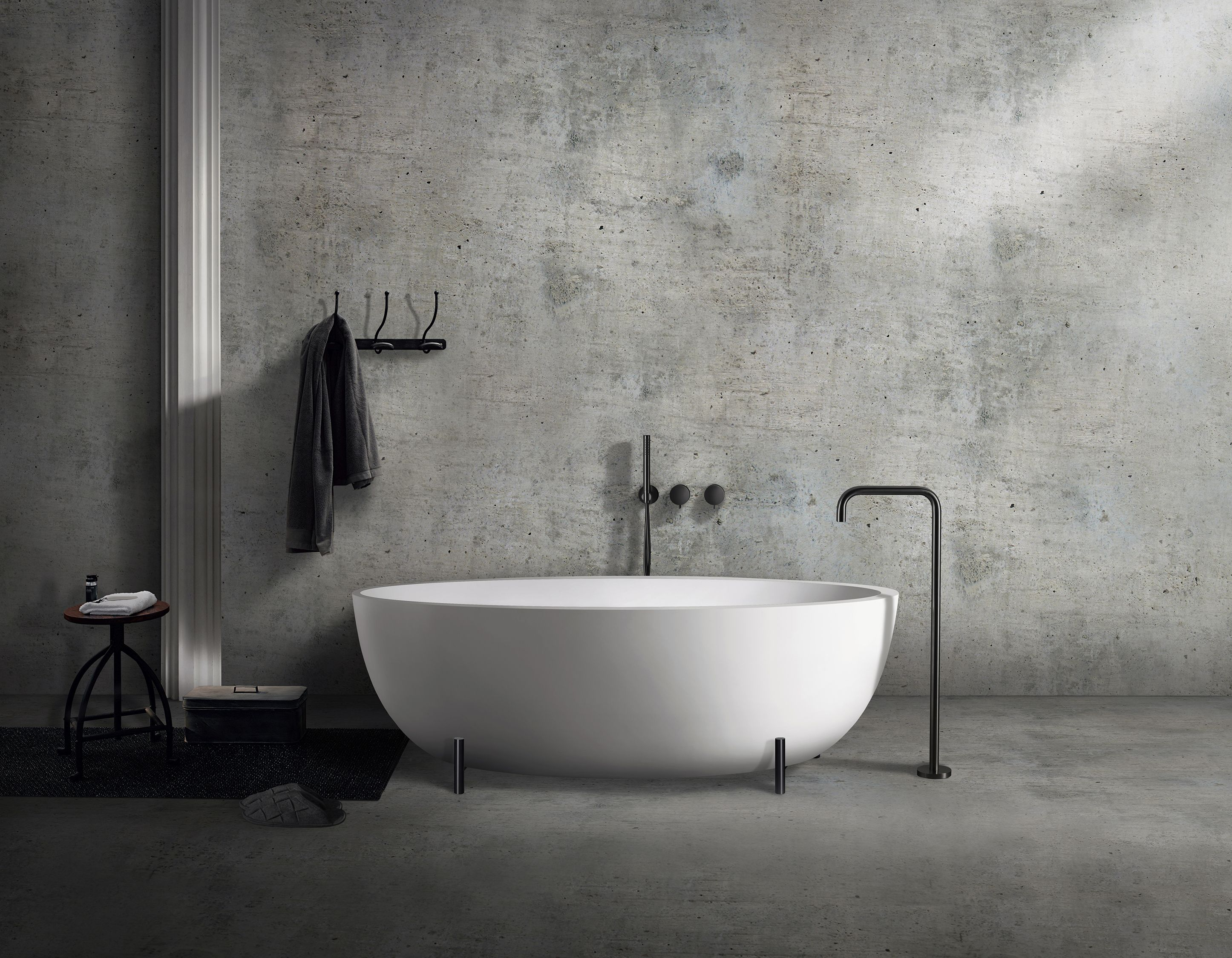 Introducing Our Modern Take On The Vintage Clawfoot Bathtubs This Contemporary Matte Black Steel Legs He Modern Bathroom Design Bathtub Design Modern Bathroom