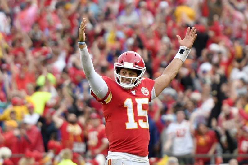 Kansas City Chiefs Qb Patrick Mahomes Becomes Fastest Player To Reach 99 Overall Madden Rating With Images Kansas City Chiefs Qb Nfl Kansas City Chiefs Kansas City Chiefs