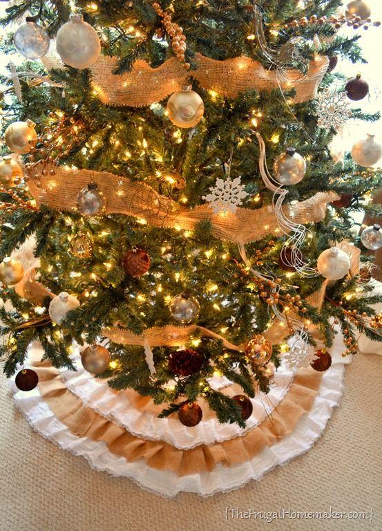 DIY Burlap and Lace Christmas Tree Skirt ☆ Hometalk DIY