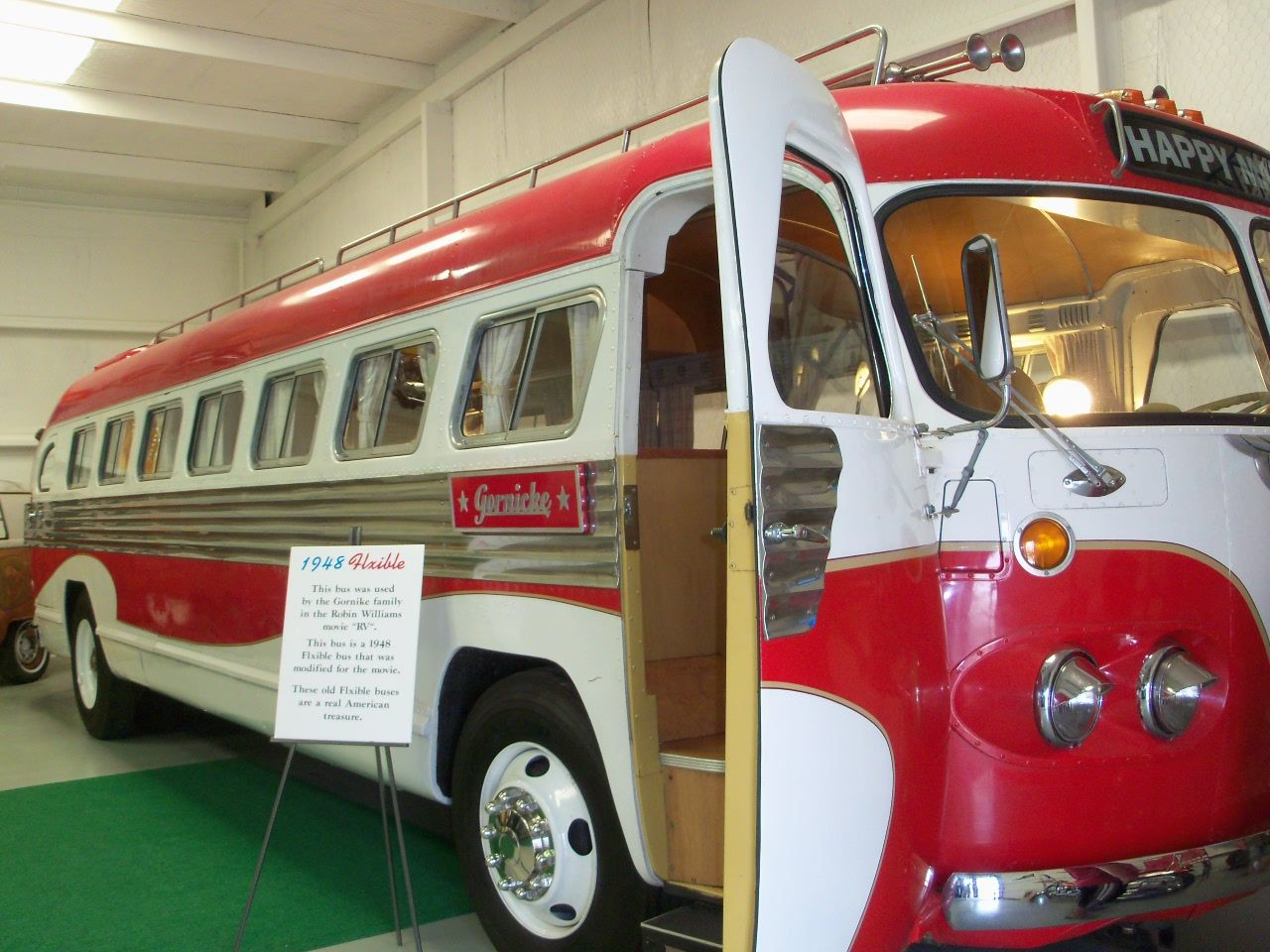 """Happy Max motorcoach from the movie """"RV"""" http://www.rvsooners.blogspot.com/"""