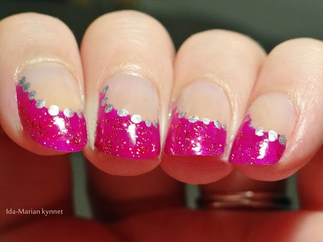 Ida-Marian kynnet / Purple french manicure with red glitter / #Nails #Nailart