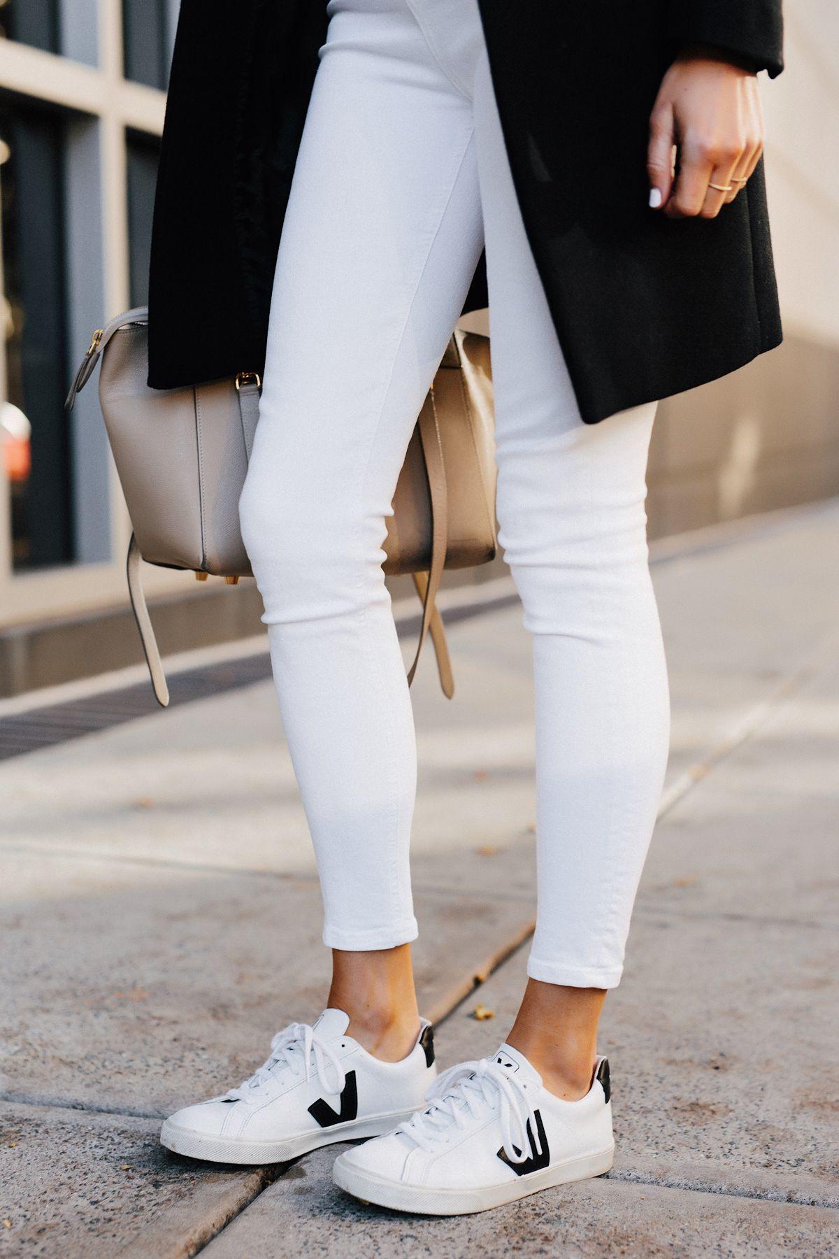 outlet store fantastic savings autumn shoes Woman Wearing White Skinny Jeans Veja Esplar White Sneakers ...