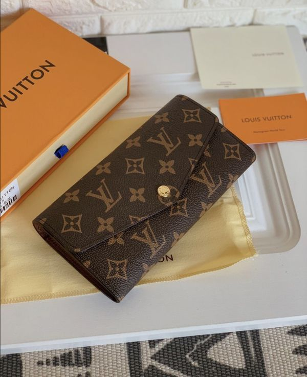 Louis Vuitton Wallet for Sale in Fresno, CA - OfferUp