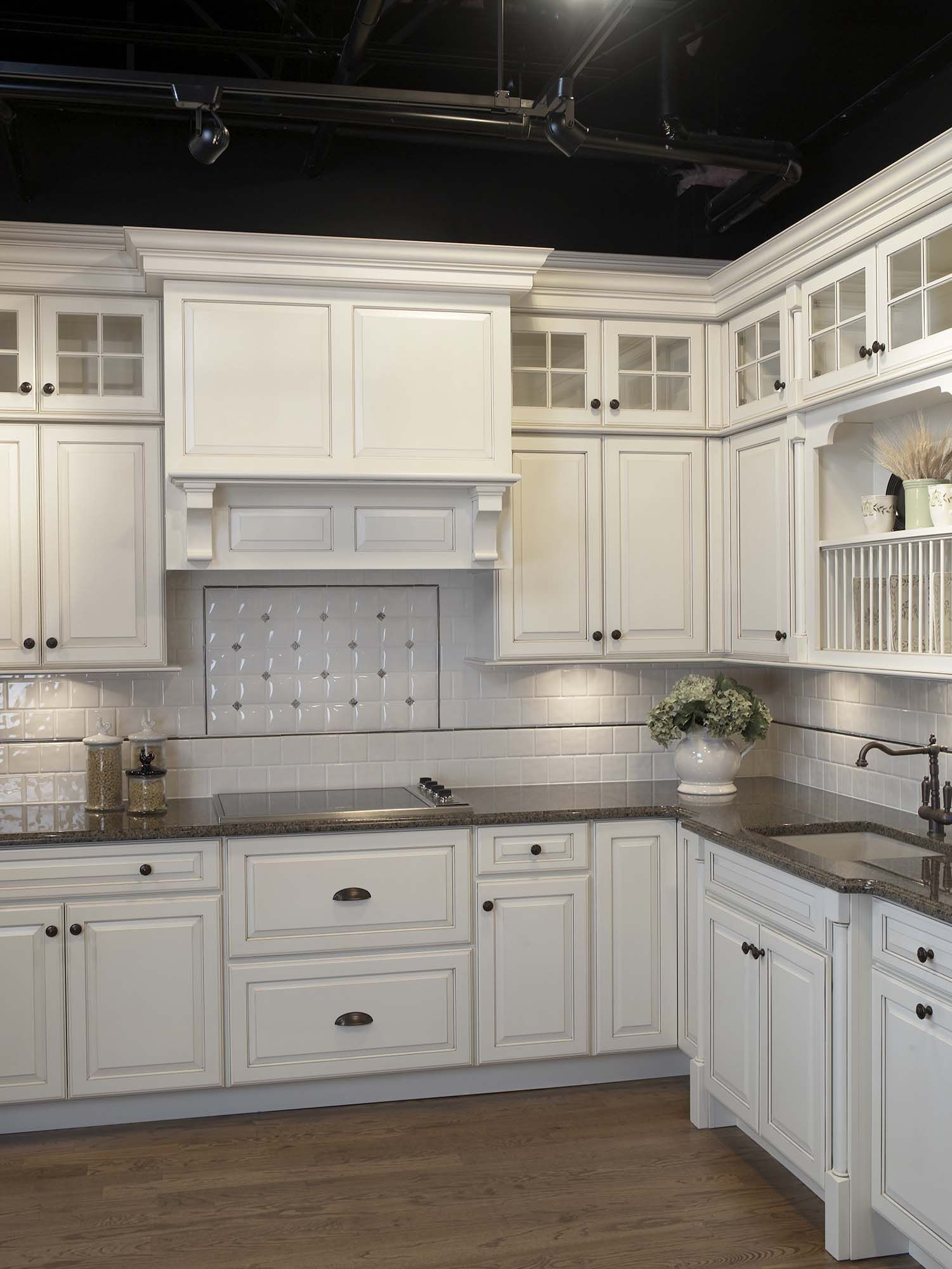 Knobs kitchen gallery pinterest photo galleries tops and knobs - Top Knobs Is The Manufacturer Of Decorative Kitchen And Bath Hardware Get Free Samples Of Our Cabinet Hardware Our Knobs And Handle Pull Collections Are