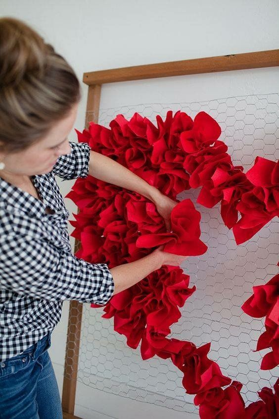 This One Simple And Easy To Make We Have More In Our Valentine S Day Office Decorations Board C Diy Valentines Decorations How To Wrap Flowers Valentines Diy