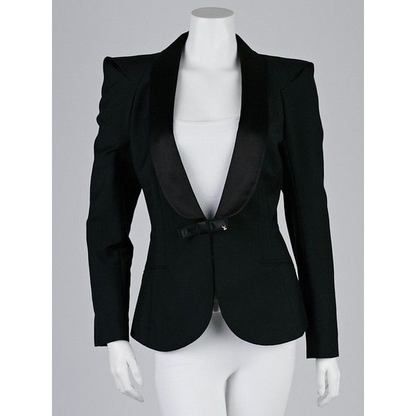 Pre-owned Louis Vuitton Black Wool Blend Tuxedo Blazer Jacket (3.450 NOK) ❤ liked on Polyvore featuring outerwear, jackets, blazers, black evening shawl, louis vuitton jacket, shawl tuxedo, black evening jacket and louis vuitton tuxedo