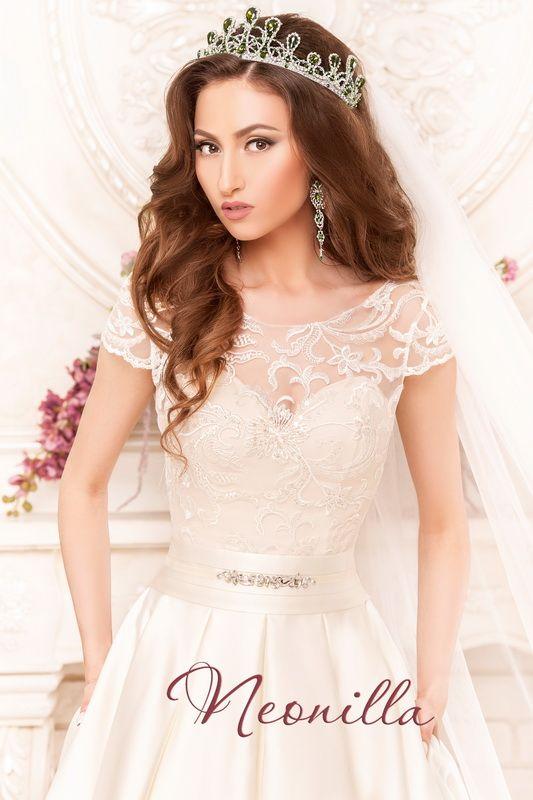 Katalina - wedding dress by Neonilla brand