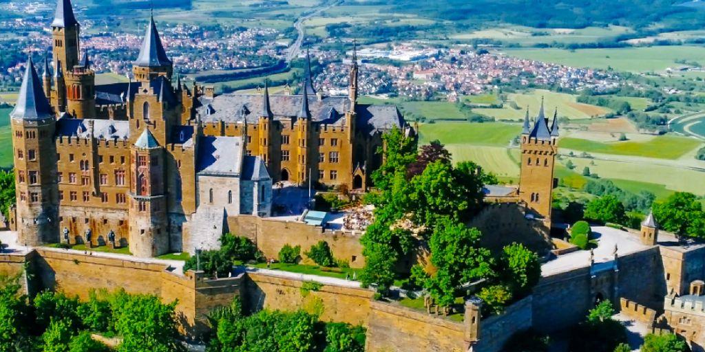 Burg Hohenzollern 3 Tage Fur 54 99 Inkl Fruhstuck Deutschland Burgen Burg Mittelalterliche Burg