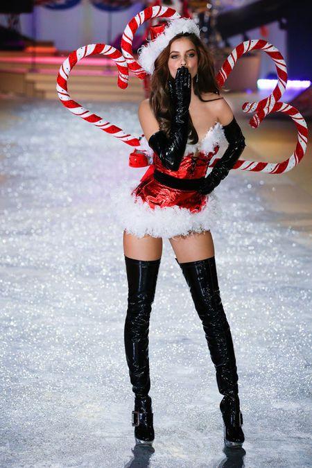 Victoria's Secret Fashion Show - Runway Insider - Victoria's Secret Fashion Show - Runway Insider Victoria Secret