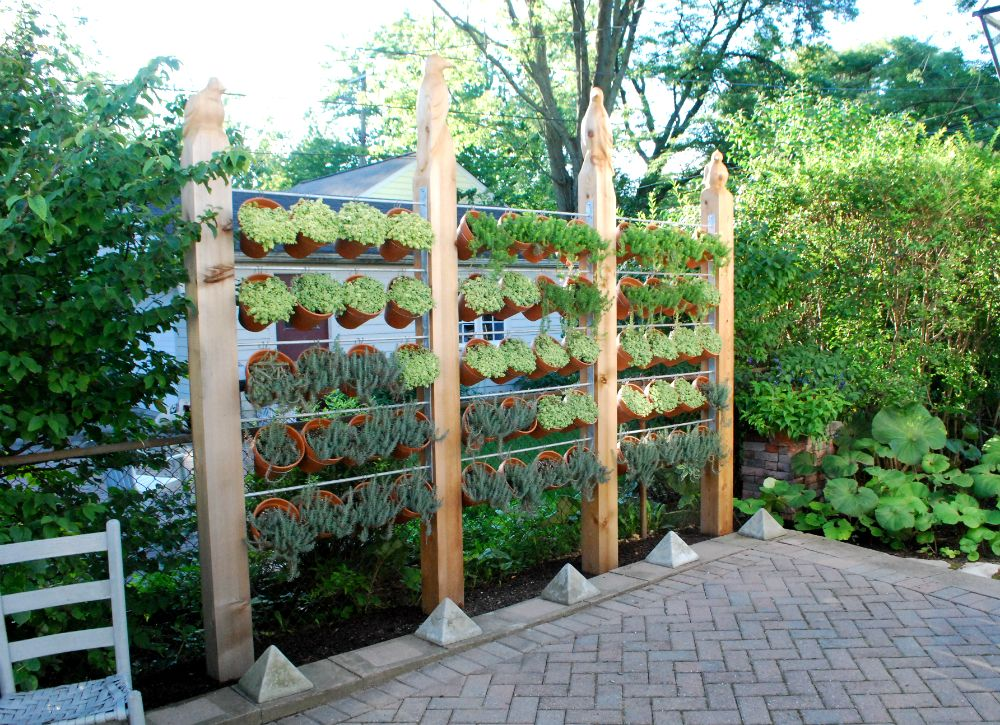 Exceptionnel Vertical Garden Ideas   Backyard Privacy Ideas   11 Ways To Add Yours   Bob  Vila