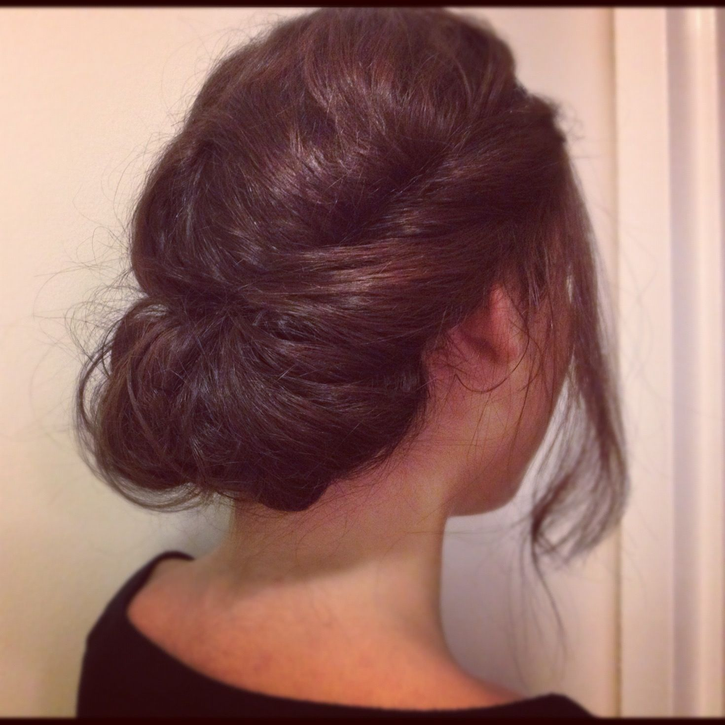 Easy Headband Up Do Better Pic Of This Updo With Headband Hair Beauty Hair
