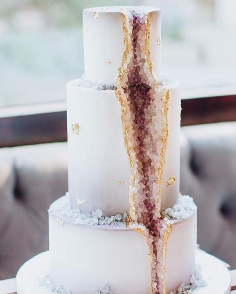 Geode Cake Via Vanillabakeshop Xx Geode Cakes Hochzeitstorte