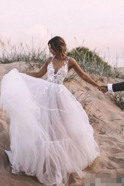 Wedding Dress Nordstrom Rack Wedding Dresses Wedding Dress Designers L In 2020 Outdoor Wedding Dress Tulle Skirt Wedding Dress Ball Gowns Wedding