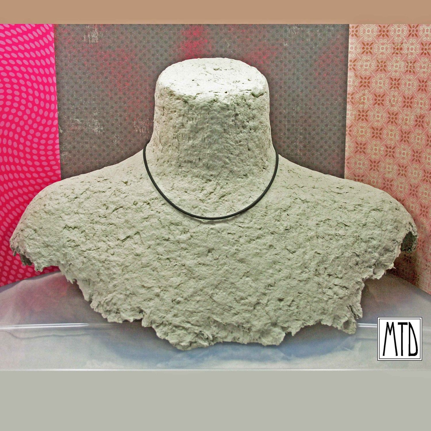Papier Mache Necklace Bust Display Diy Jewelry Display Creative Jewelry Displays Craft Display