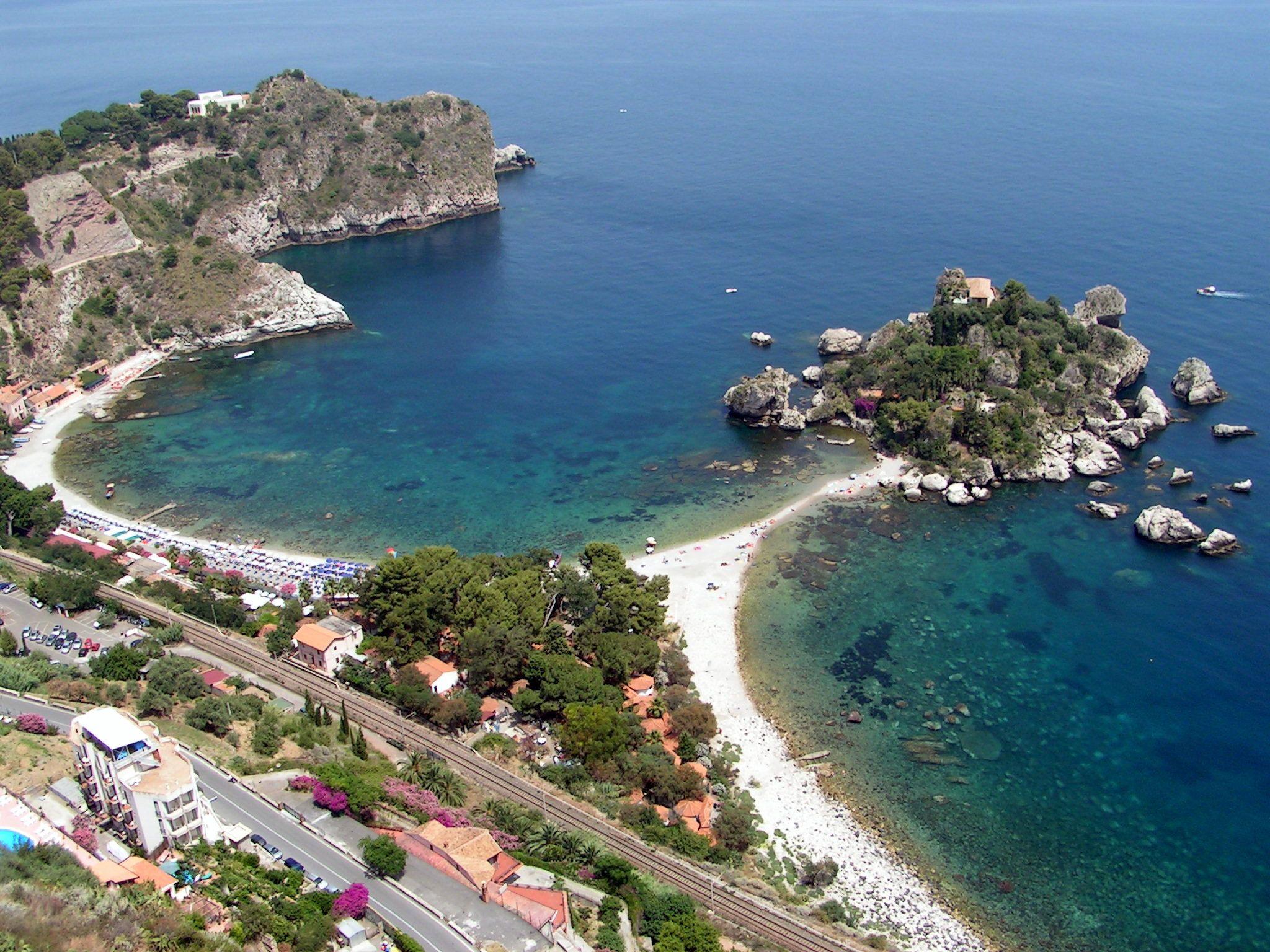 Beach in Taormina, Sicily, Italy Sicilia, Italia, Luoghi