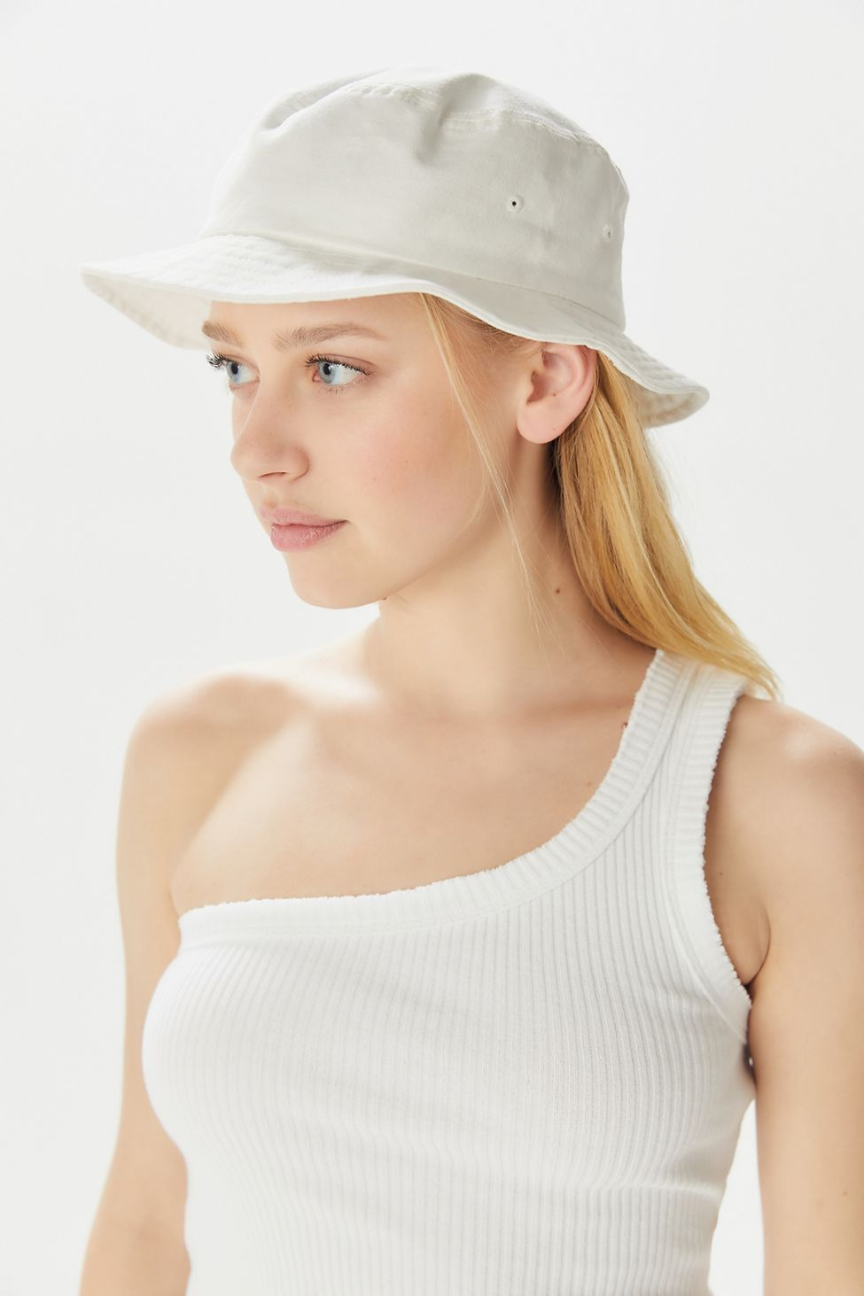 1bfdc97f6 UO Chloe Canvas Bucket Hat in 2019 | Accessorize | Canvas hat, Hats ...