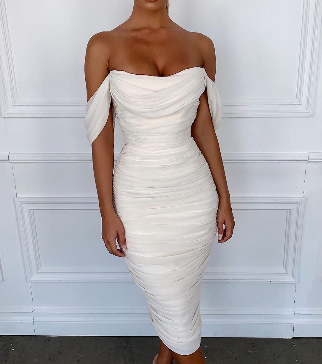 The Dress Of Actual Dreams Is Here The Carlotta In Ivory Shop Houseofcb Com Fancy Dresses Fashion Dresses Dresses