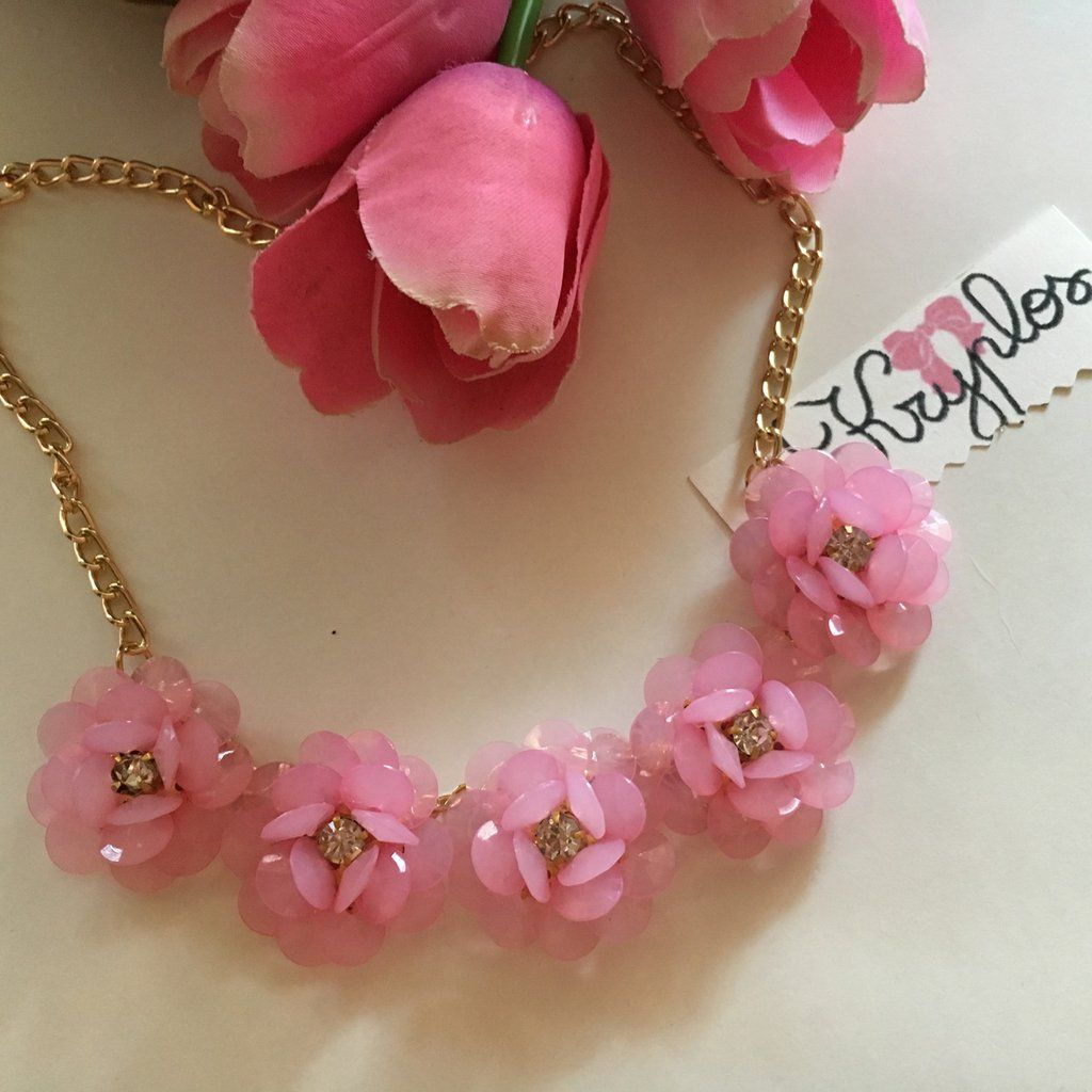 "Collana  ""pastel flower"", by Kryplos, 14,90 € su misshobby.com"