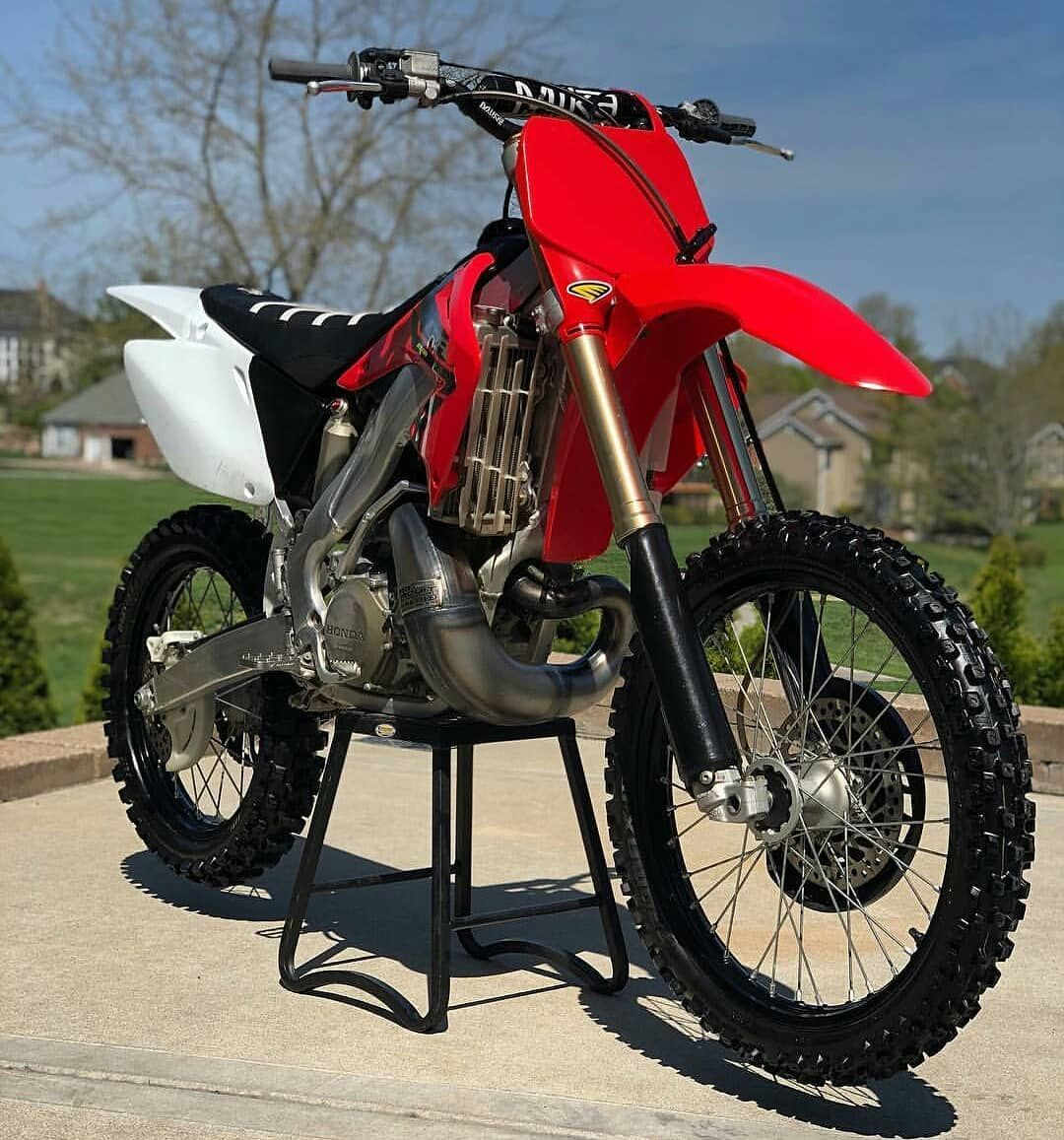 One Of The Best Looking Cr250s Would You Rip It Enduro Motorcycle Dirtbikes Motorcross Bike