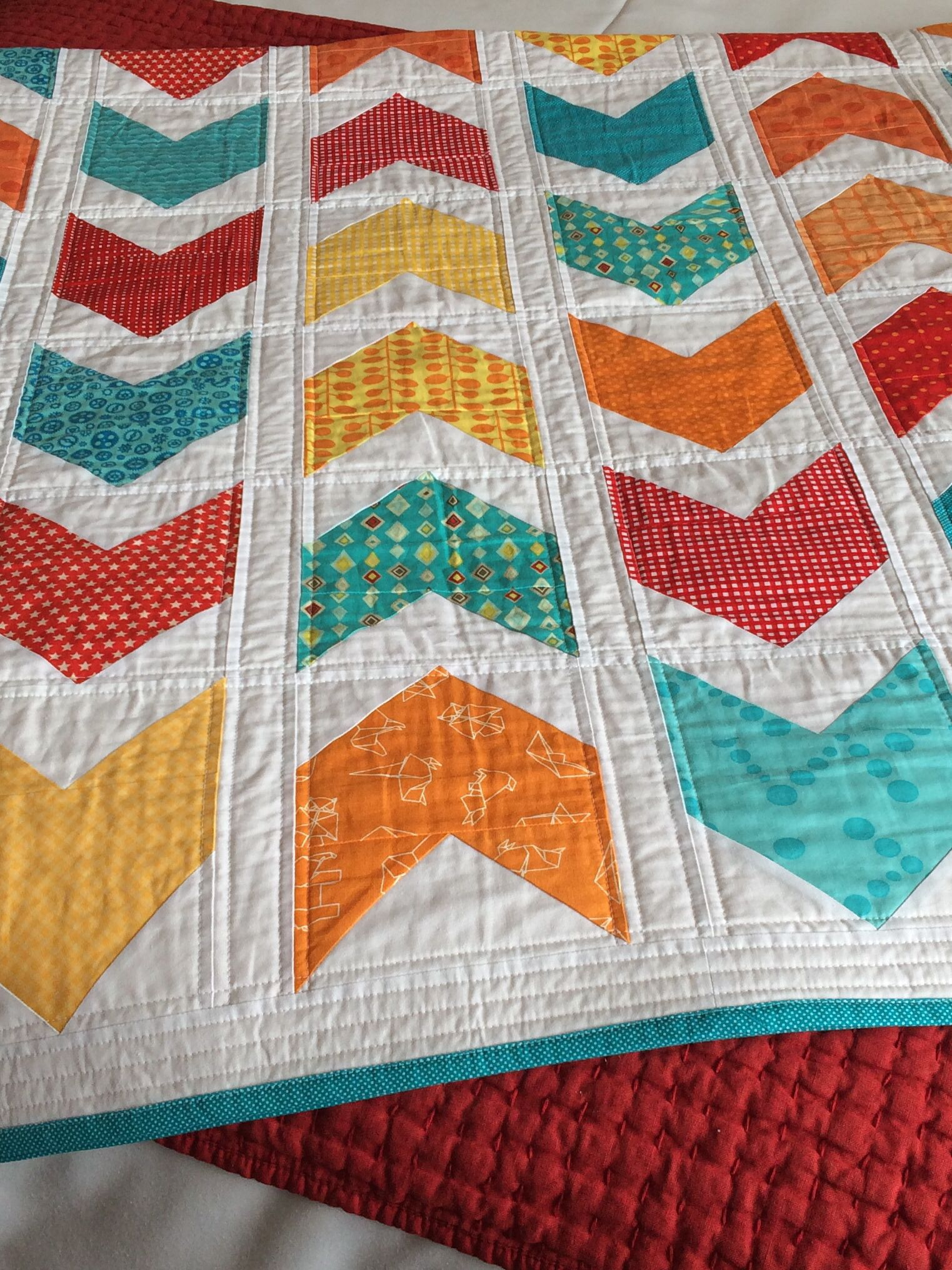 Cluck Cluck Sew A Turquoise Orange Blue And Red Quilt Modern With Moda Origami Fabric Fabric Origami Quilts Red Quilts